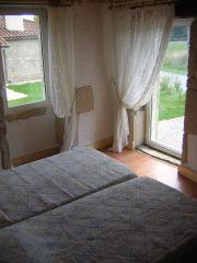chambre 2 ouvrant sur les vignes