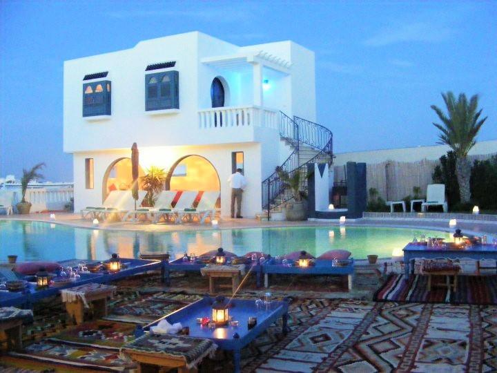 Suite JAWHRA avec vue piscine