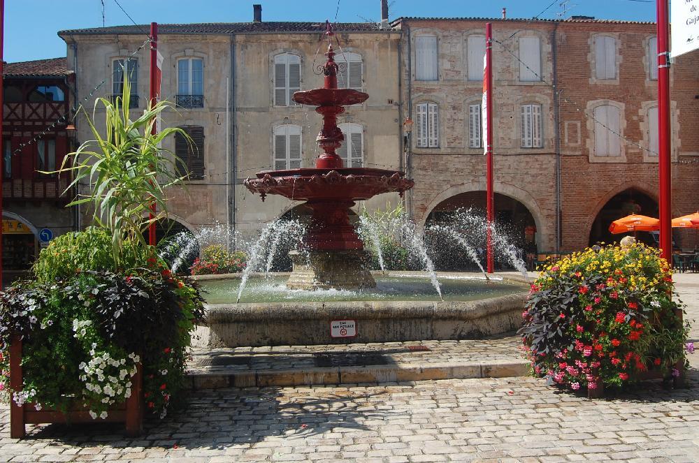Place Lafayette Villeneuve sur Lot